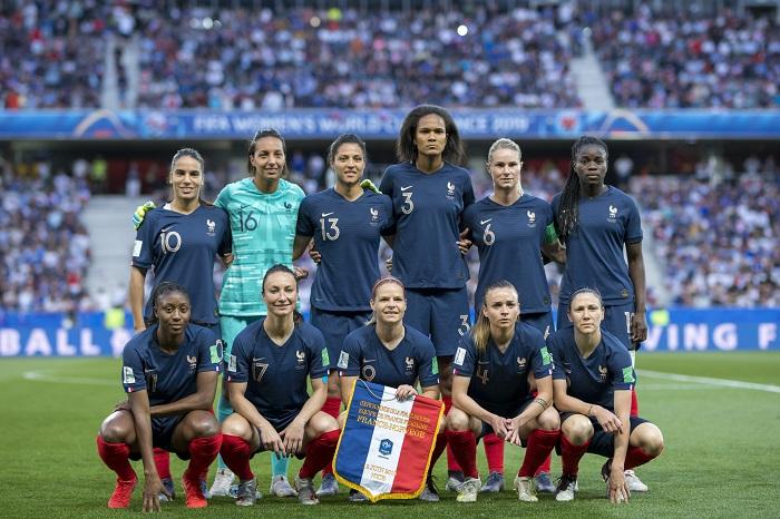 Football : L'équipe de France féminine joue aux Costières